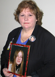 jane hendrickson w/photo of murdered child